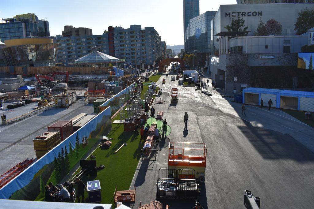 Dreamforce 2017 Dream Valley on Howard Street San Francisco load in.